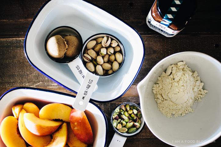peach pistachio crumble recipe - www.iamafoodblog.com
