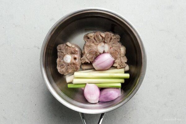 oxtail bun bo hue soup | www.iamafoodblog.com