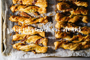 jalapeño bacon puff pastry cheese twists recipe - www.iamafoodblog.com