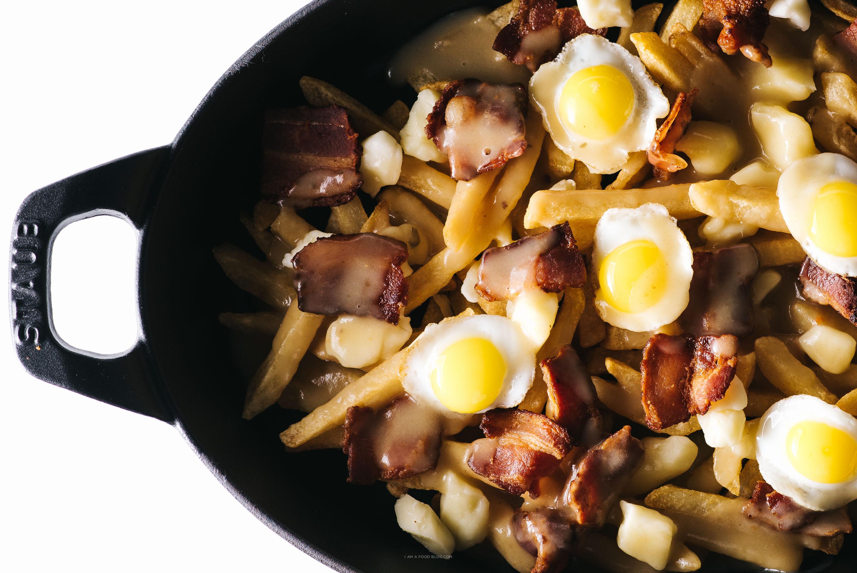 bacon and egg breakfast poutine - www.iamafoodblog.com