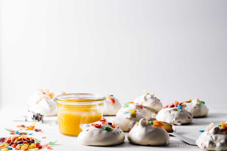 fruity pebbles meringues recipe - www.iamafoodblog.com