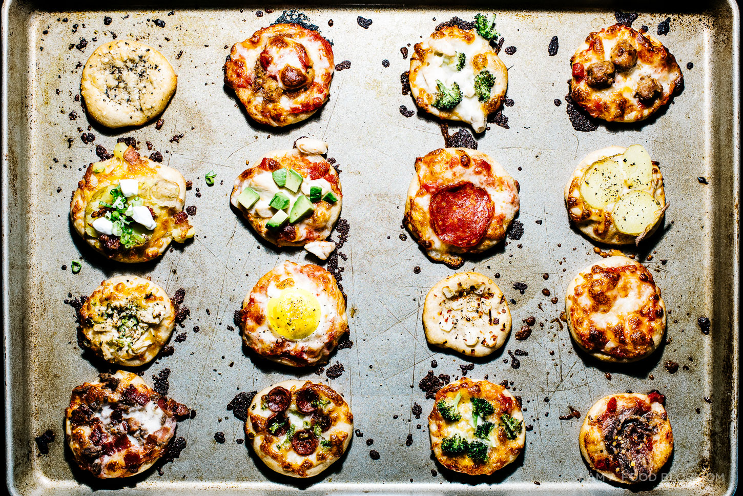 mini no knead pizza recipe - www.iamafoodblog.com