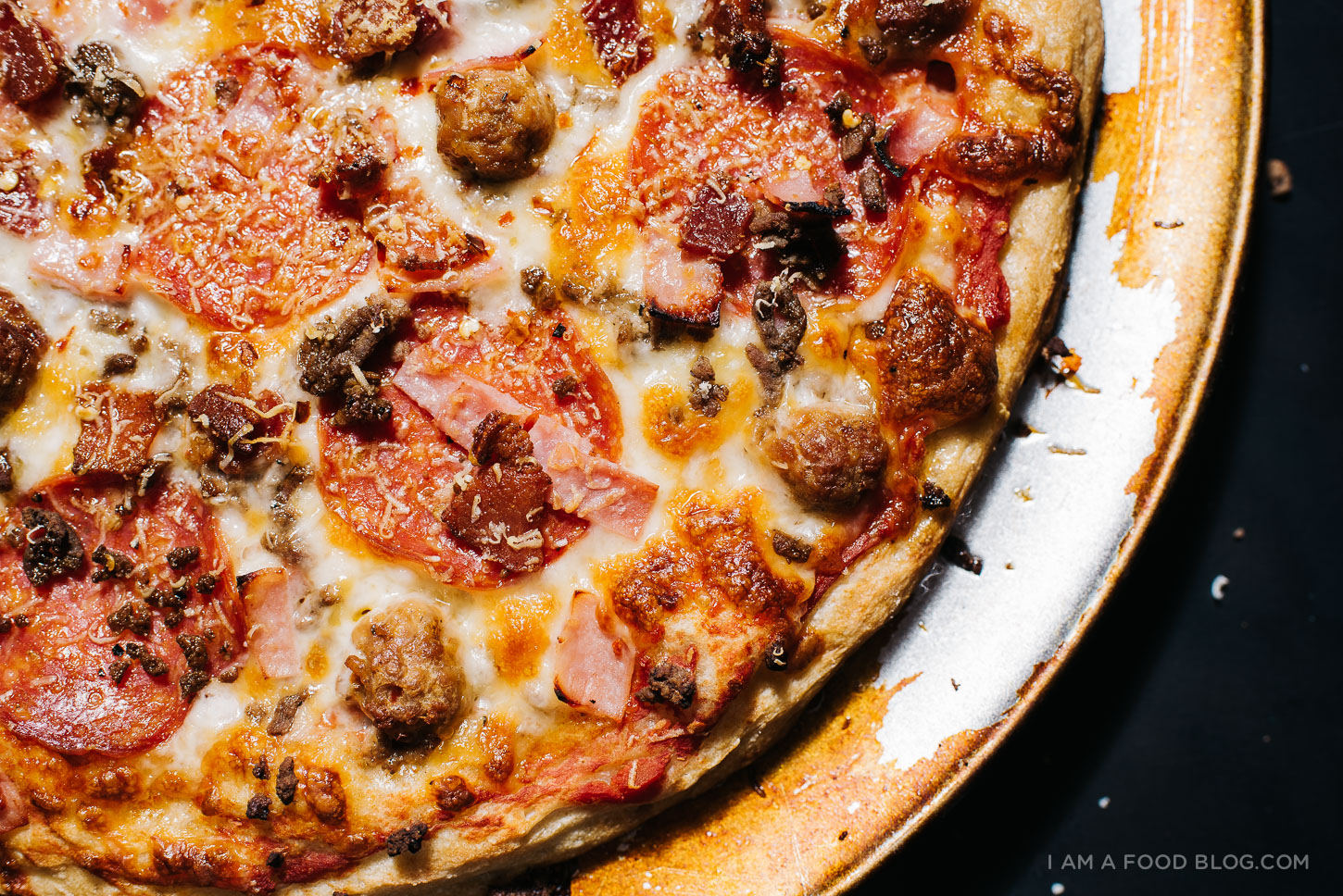 the ultimate meat lovers pizza - www.iamafoodblog.com