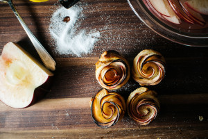 mini puff pastry apple roses - www.iamafoodblog.com