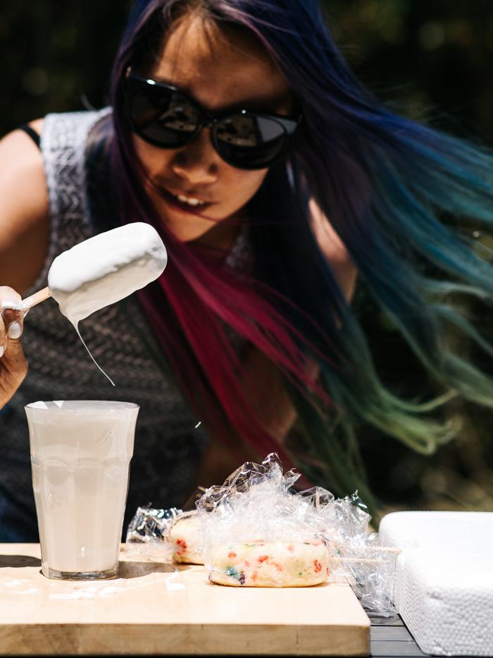 funfetti cake pops - www.iamafoodblog.com