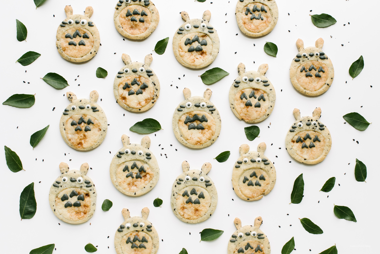 totoro black sesame sugar cookies - www.iamafoodblog.com