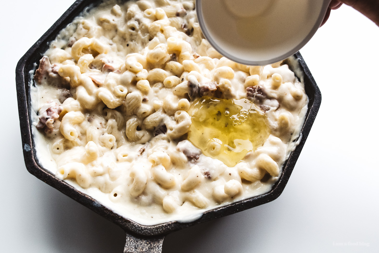 breakfast mac n cheese recipe - www.iamafoodblog.com