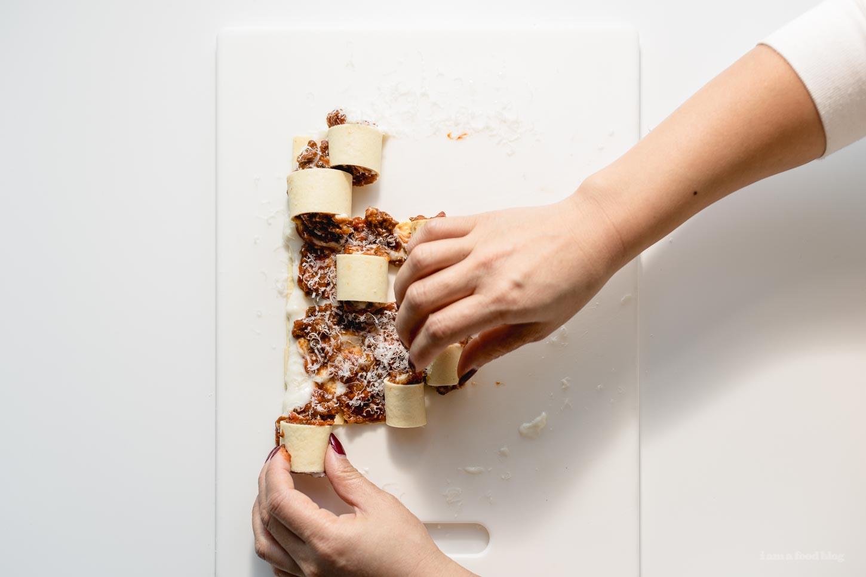 One Bite Mini Lasagna Roll Ups Recipe | www.iamafoodblog.com