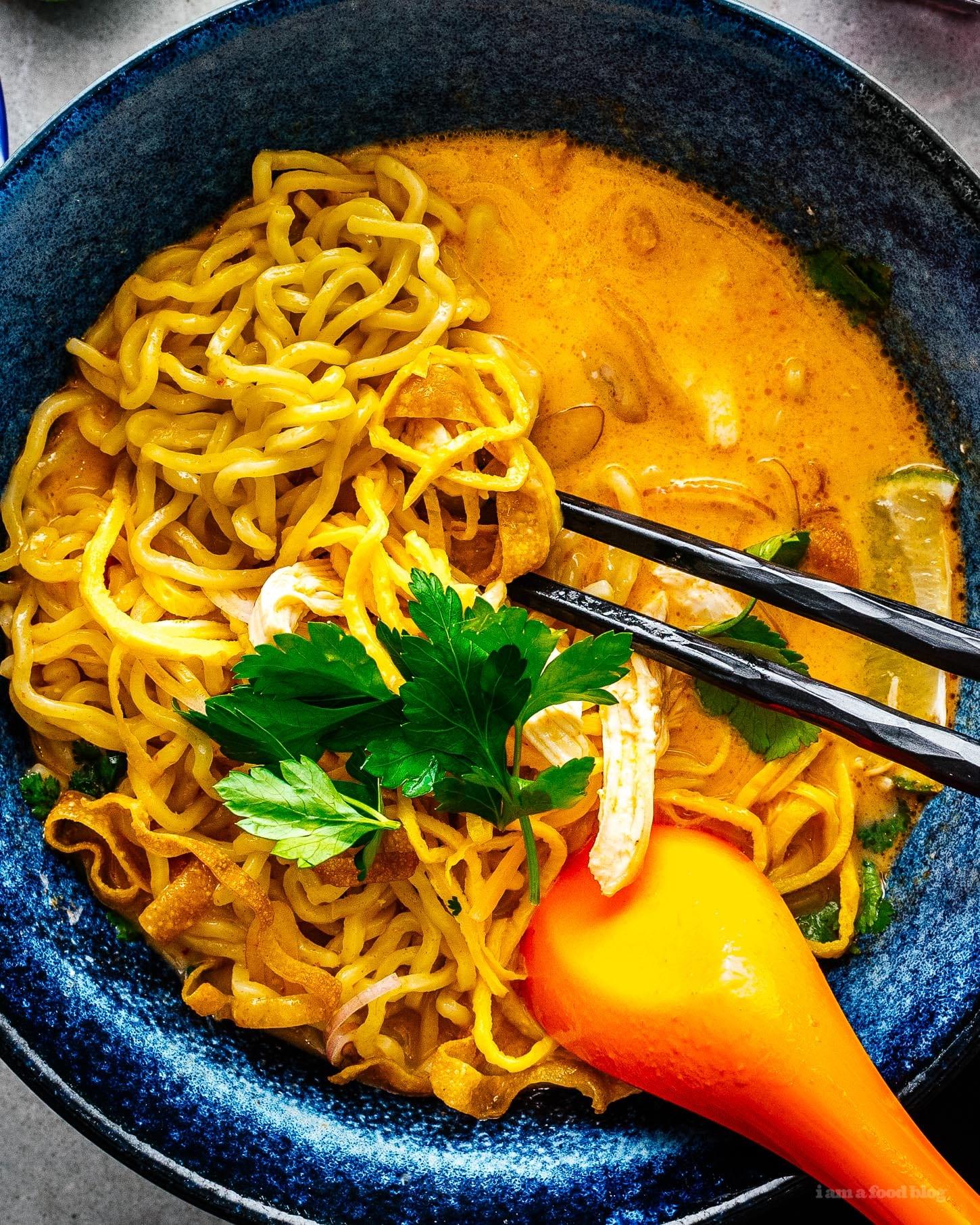 khao soi thai noodle soup | www.iamafoodblog.com