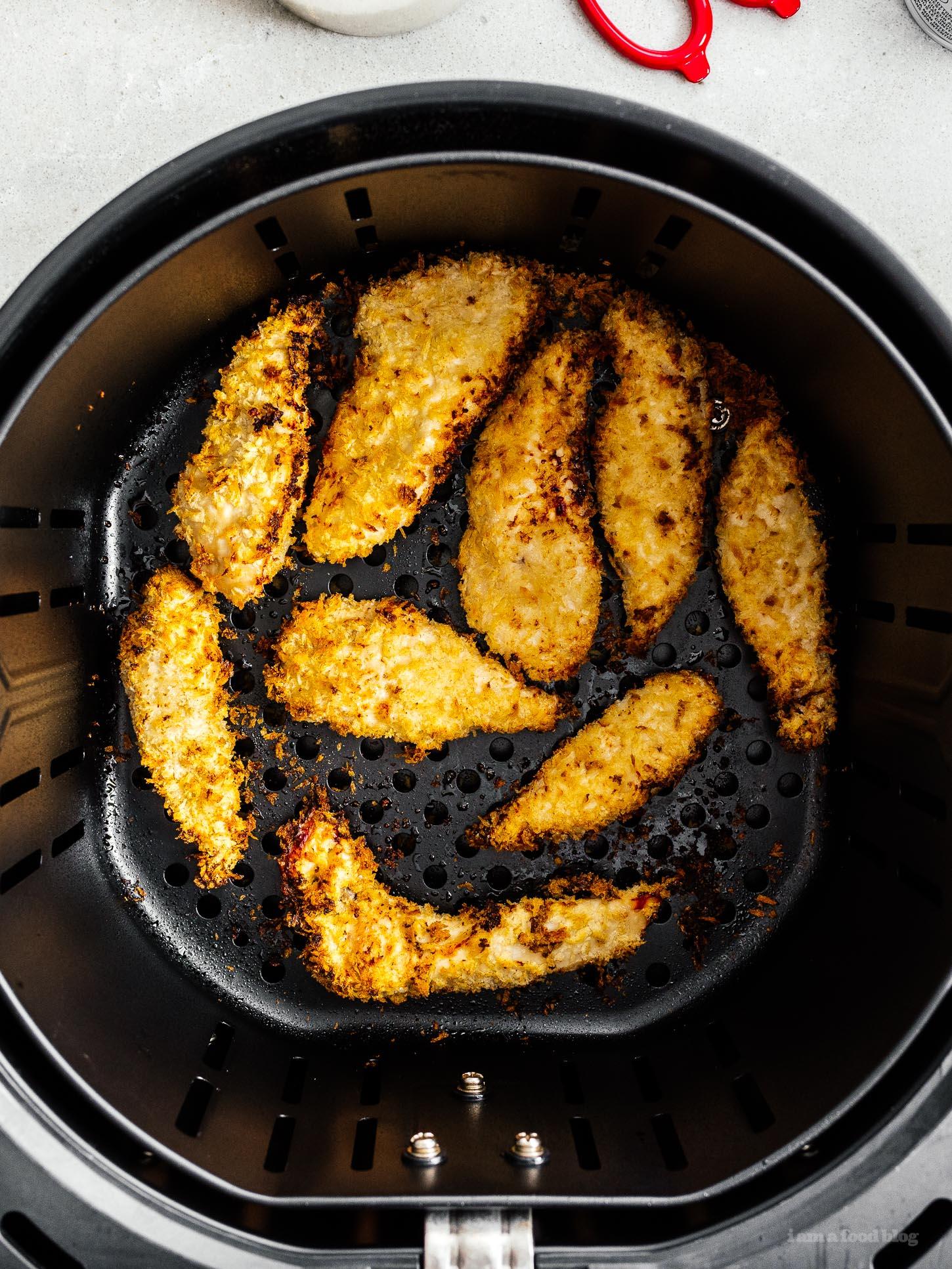 Crispy Air Fryer Chicken Strips | www.iamafoodblog.com