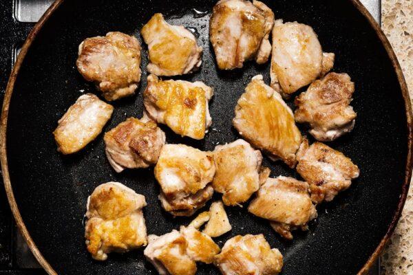 frying chicken | www.iamafoodblog.com