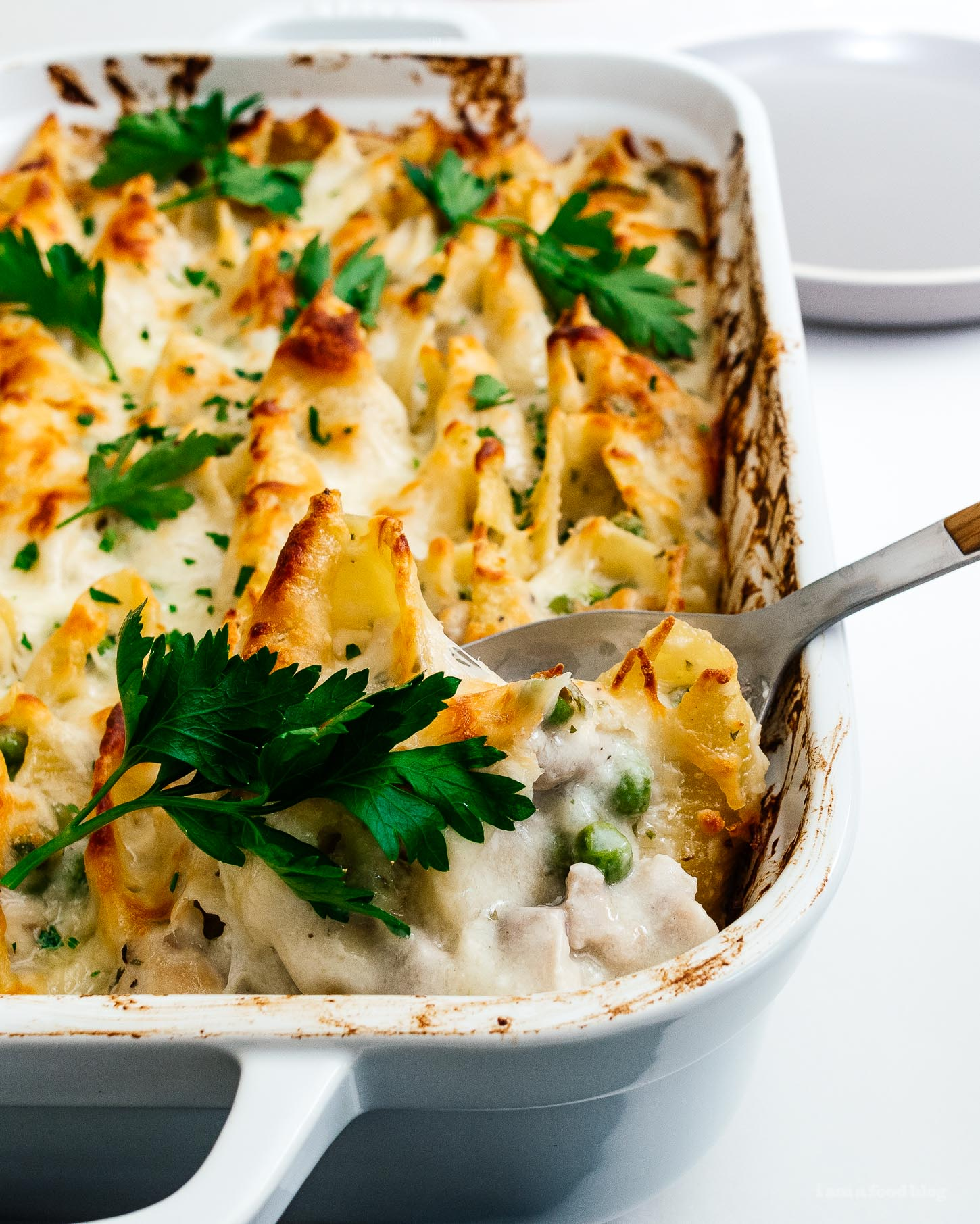 Super warm and comforting oven baked cheesy chicken pot pie stuffed shells #stuffedshells #chicken #chickenpotpie #pasta #noodles #recipe