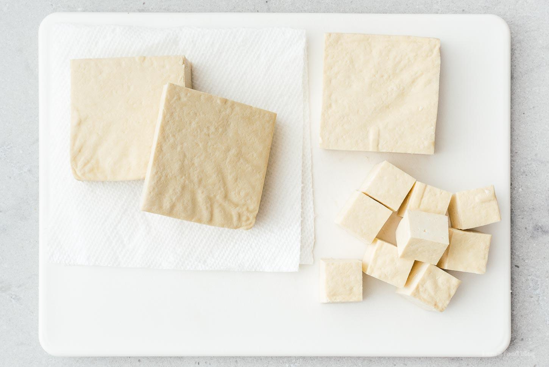 cubing up tofu   www.iamafoodblog.com