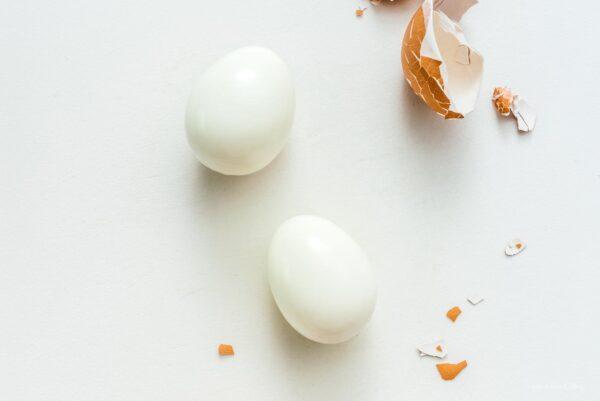 peeling eggs for egg salad | www.iamafoodblog.com