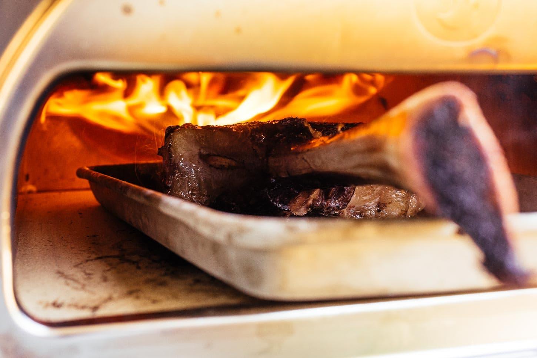 searing tomahawk steak | www.iamafoodblog.com