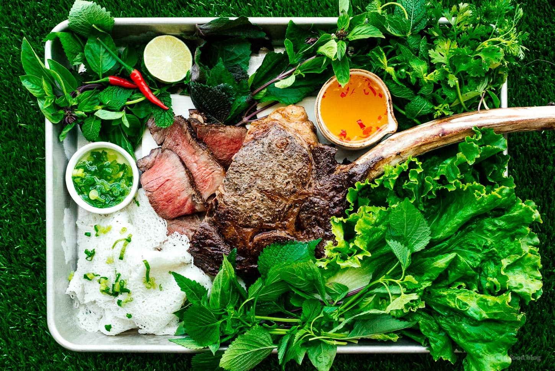 A Tomahawk Steak for Your Christmas Dinner | www.iamafoodblog.com