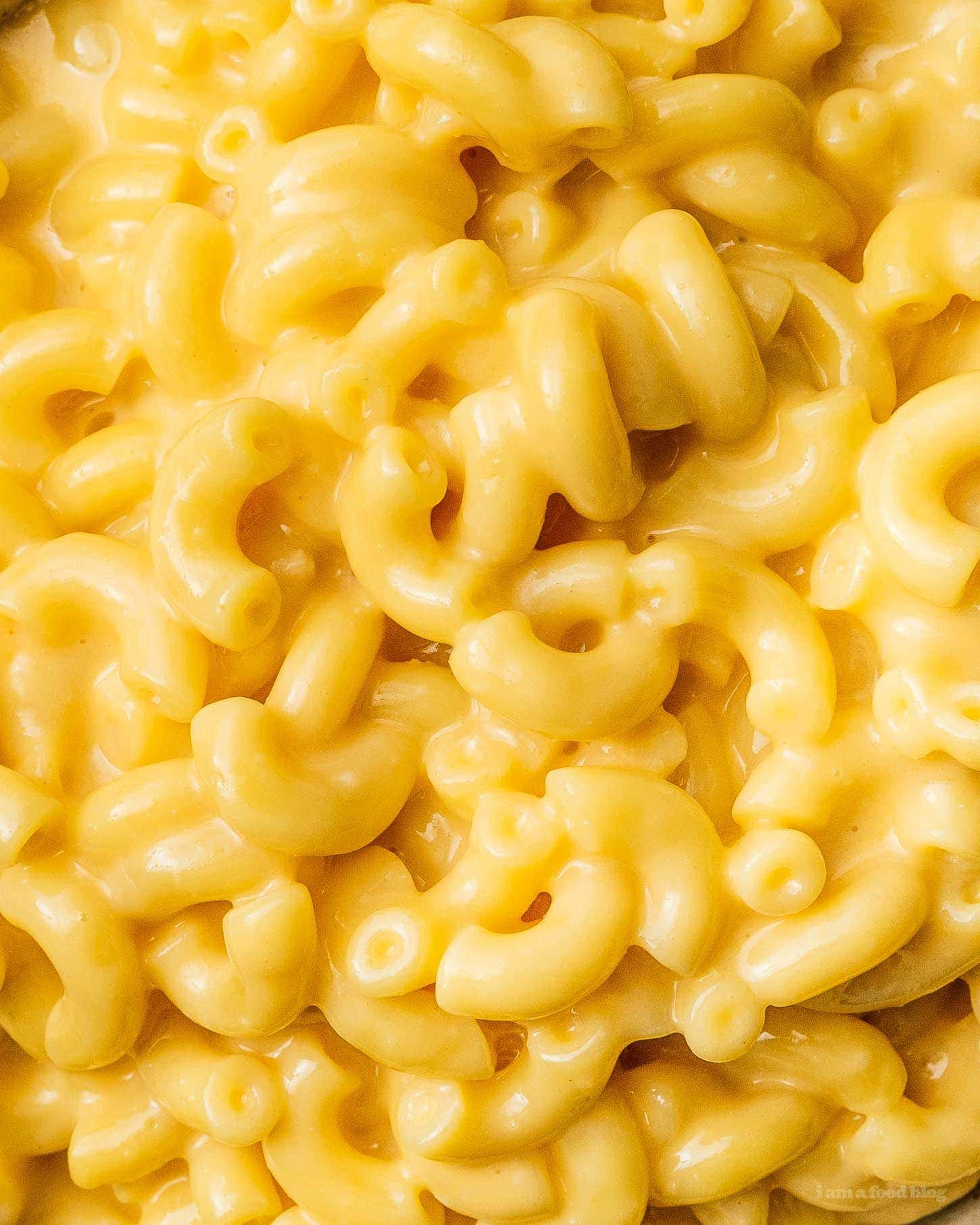 velveeta mac and cheese detail shot | www.iamafoodblog.com