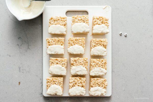 rice krispie treats decorated as totoro | www.iamafoodblog.com