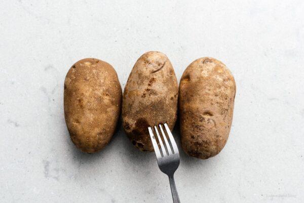 用叉子戳土豆| www.www.cpxjq.com188金宝博地区限制