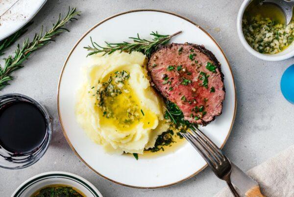 beef tenderloin   www.iamafoodblog.com