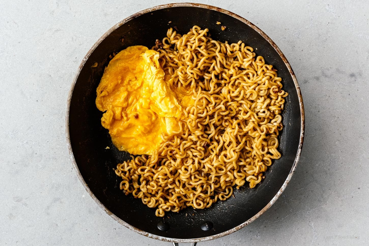 egg and noodles in pan | www.iamafoodblog.com