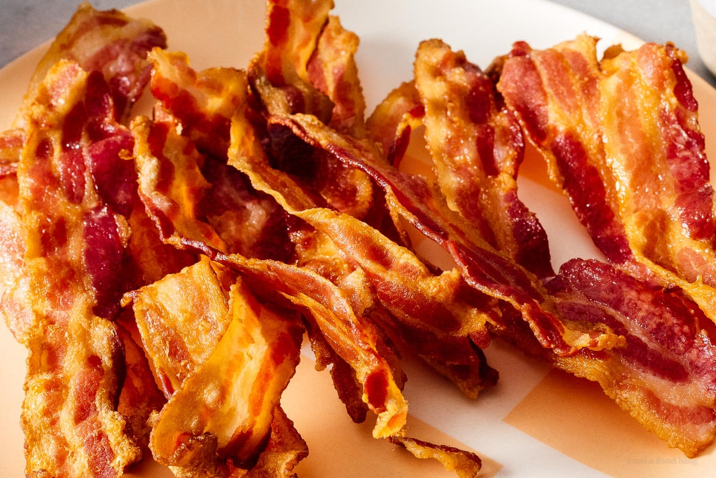 How to Make Crispy Air Fryer Bacon | www.iamafoodblog.com
