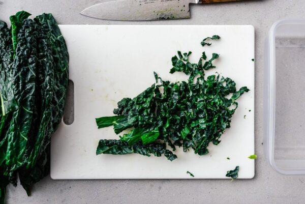 preparing kale | www.iamafoodblog.com