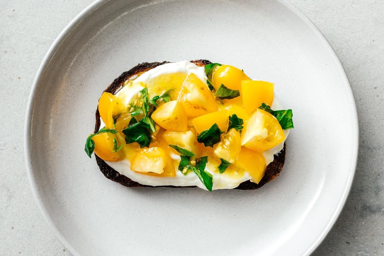 tomato and basil ricotta toast | www.iamafoodblog.com